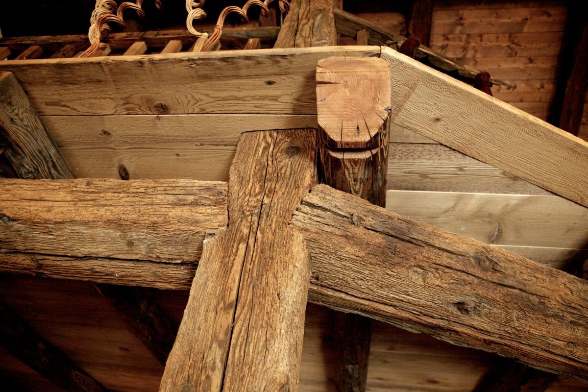 Recupero dal vecchio arredo chalet arredamento su for Chalet arredamento